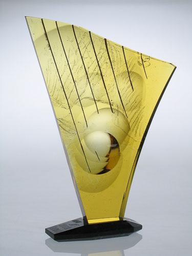 Harfa v žltom, r. 2006, 41 x 29 x 6 cm